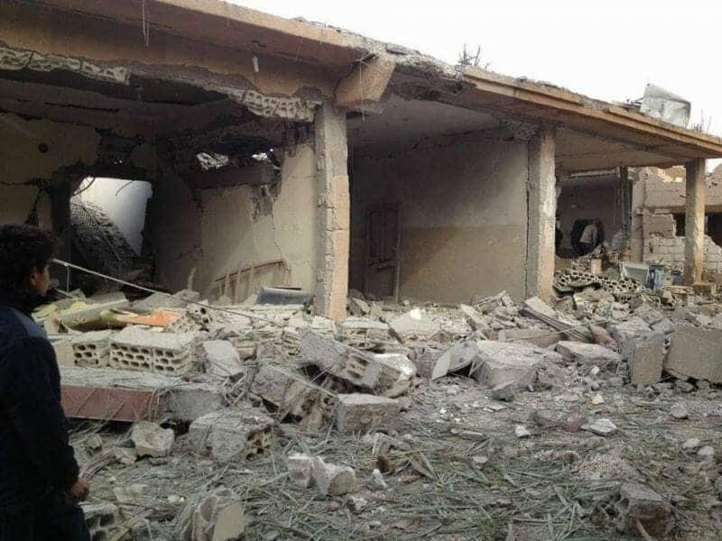 Photo of أكثر من خمسين شهيداً في بلدة خشام وروسيا مستمرة في إرتكاب المجازر بحق أبناء ديرالزور