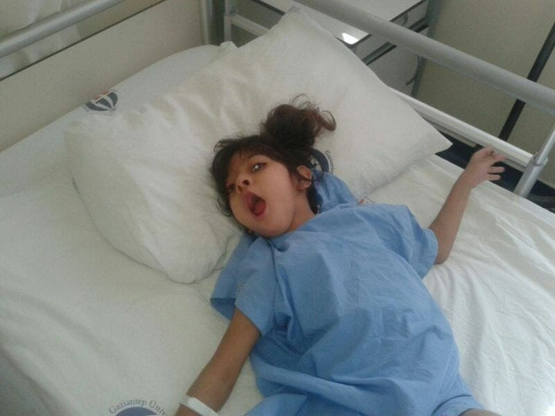 "Photo of "" سديل "" معاناة طفلة تحت رحمة الموت وفقر ذويها"