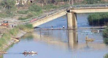 جسور ديرالزور المدمرة