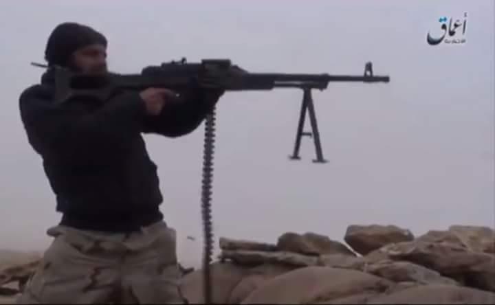 Photo of اشتباكات بين داعش وقوات الأسد والطيران الحربي يكثف قصفه على ديرالزور.