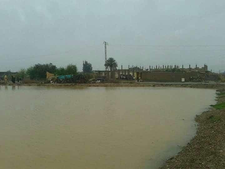 Photo of أمطار غزيره والسيول تغمر الأراضي الزراعية في ديرالزور