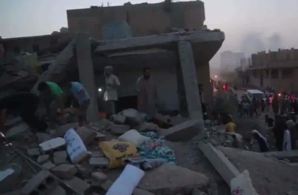 Photo of الطيران الحربي يوقع مجزرة في حي العرضي بديرالزور