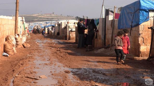 Photo of ما حقيقة إطلاق النار في مخيم الجزيرة والفرات قبل أيام في ريف إدلب
