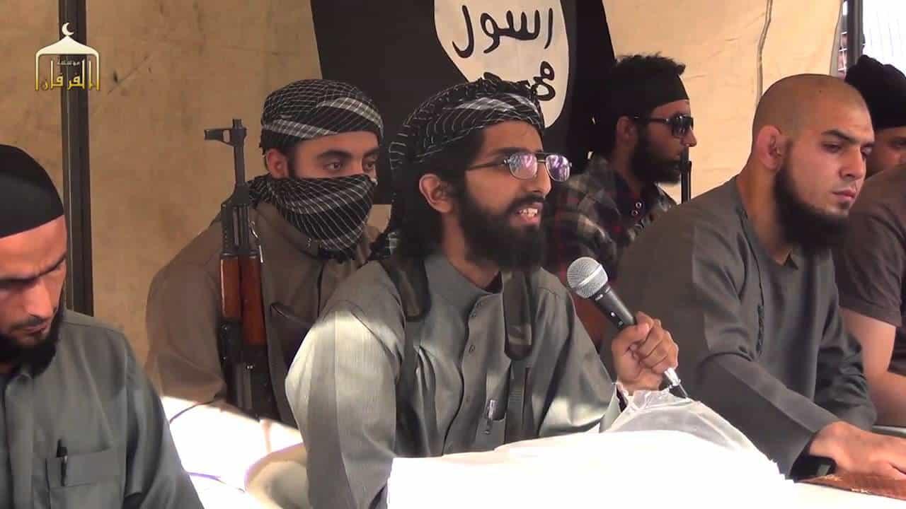 """Photo of تنظيم داعش يعدم الشرعي العام لديه """" عمر القحطاني """" في مدينة الميادين"""