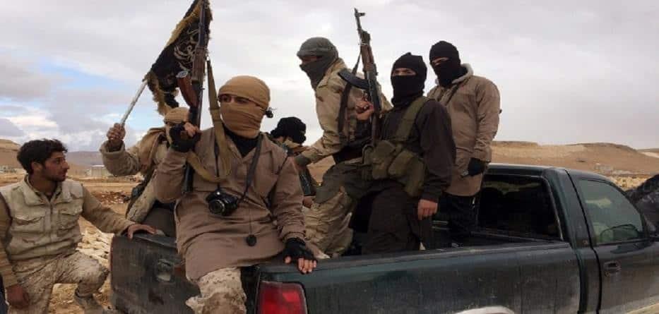 Photo of تنظيم داعش يستعيد السيطرة على عدة بلدات في ريف دير الزور