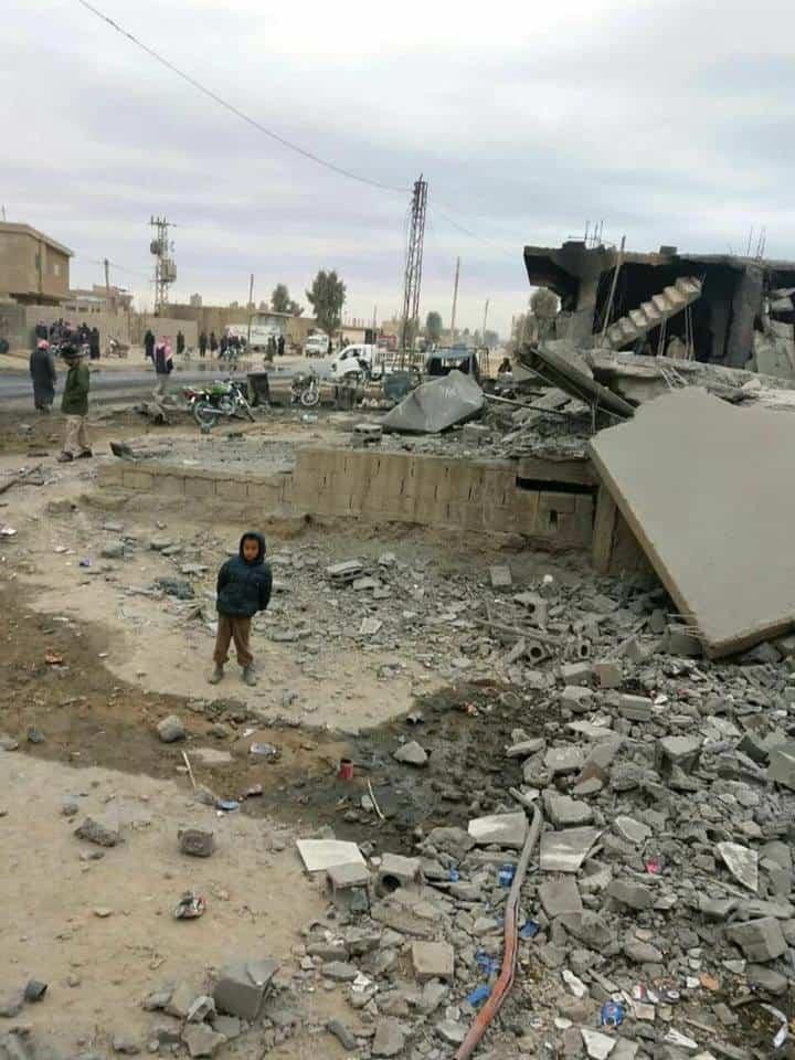 Photo of أكثر من 10 مدنيين ضحايا القصف الجوي على بلدة الجرذي