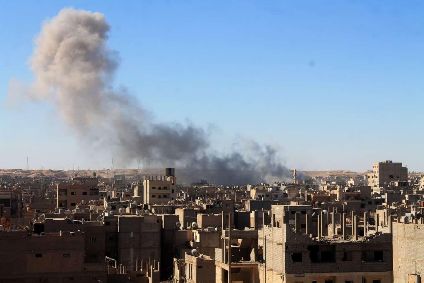 """Photo of قتلى وجرحى بتفجير سيارة مفخخة في مدينة البصيرة شرق ديرالزور """"فيديو"""""""