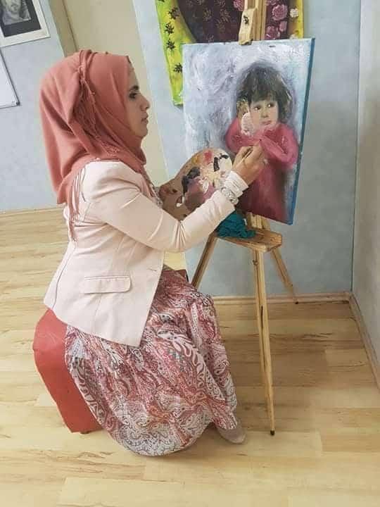 """Photo of الفنانة التشكيلية """"نورعبيد"""" … إبداع برؤية أنثوية"""