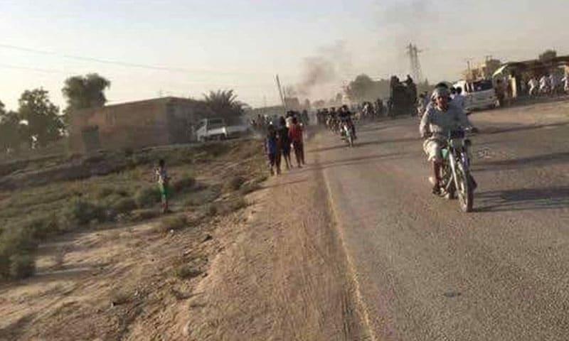 Photo of قتلى وجرحى بانفجار سيارة مفخخة في بلدة غرانيج شرق ديرالزور