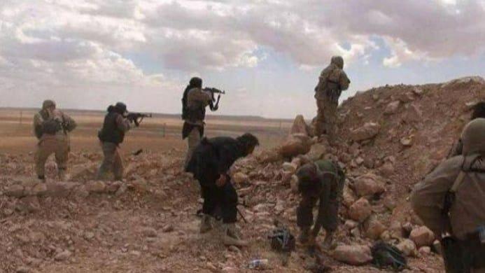 Photo of هجوم عنيف لتنظيم داعش على مواقع الأسد قرب الميادين