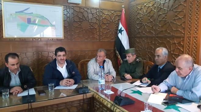 Photo of اجتماع بين وجهاء الميادين ومخابرات الأسد …. ما مضمونه؟ وما النتائج؟